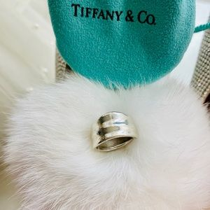 Tiffany leaf ring size 5